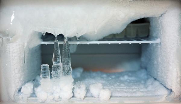 Tủ lạnh Sharp bị đóng tuyết phải làm sao?