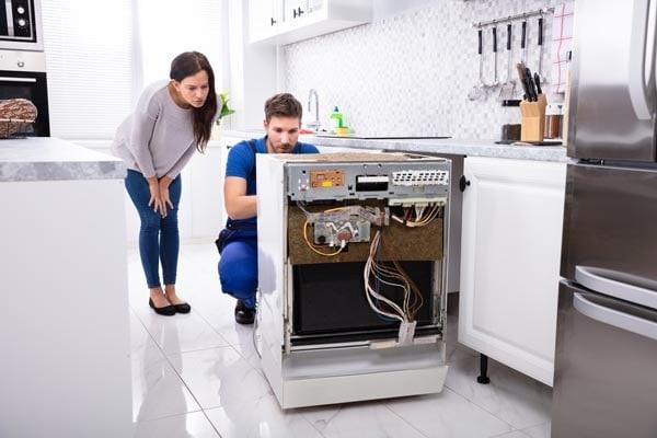 Bảo hành sửa chữa tủ lạnh Sharp tại Bình Dương ở đâu uy tín?