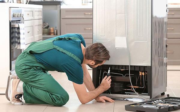Những sự cố thường gặp của tủ lạnh Sharp