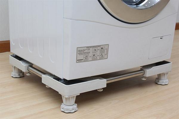 kê cao máy giặt Sharp đề phòng ngập nước