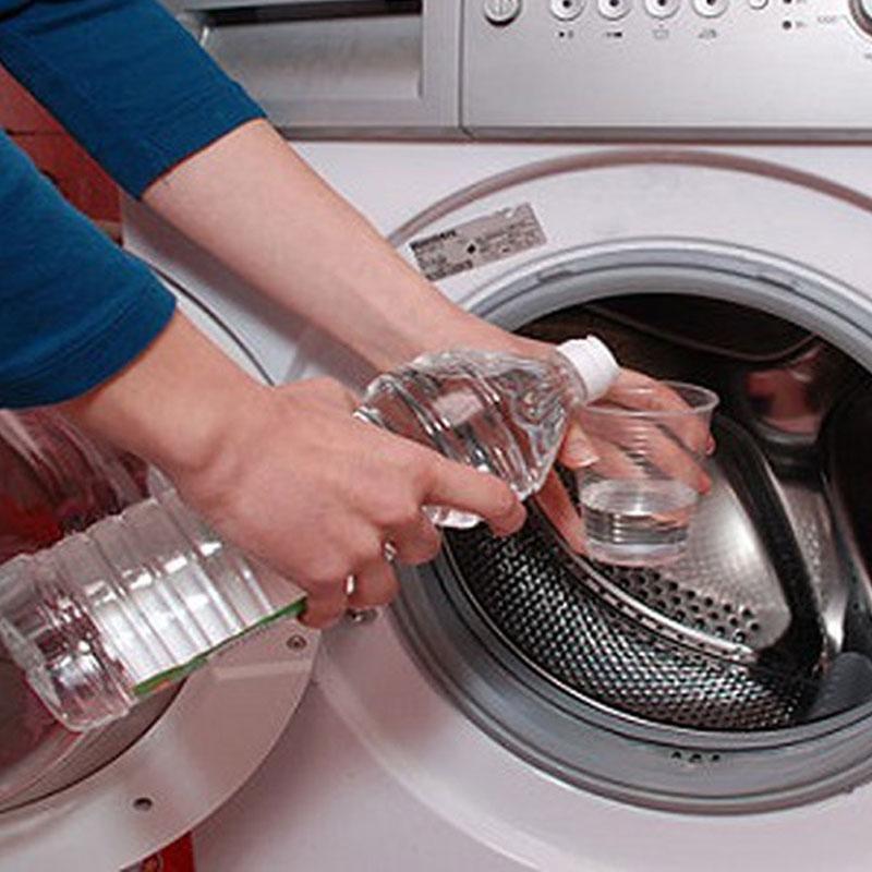 Vệ sinh máy giặt bằng chất tẩy rửa chuyên dụng