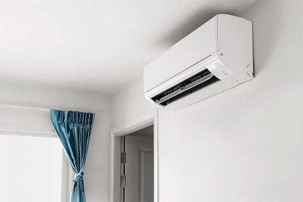 Máy lạnh lắp đặt không ngay ngắn có thể gây chảy rỉ nước