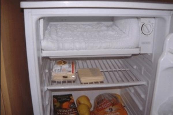 Xử lý tủ lạnh Sharp bị đóng tuyết