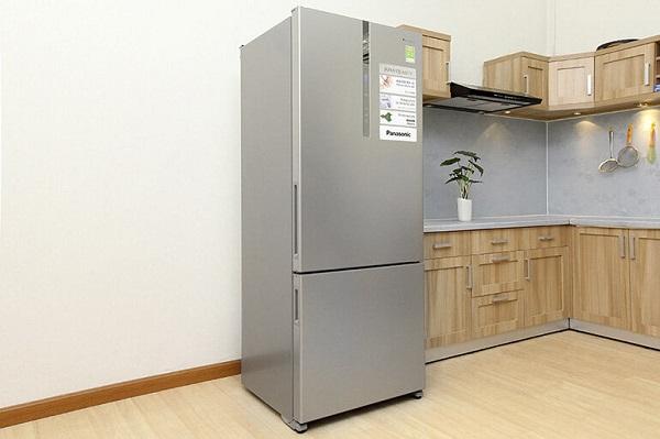 Không gian xung quanh thoáng đãng sẽ giúp tủ lạnh tản nhiệt tốt hơn
