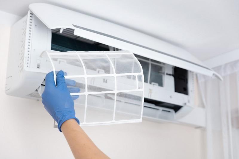 Vệ sinh máy lạnh tại nhà có thật sự đơn giản không?